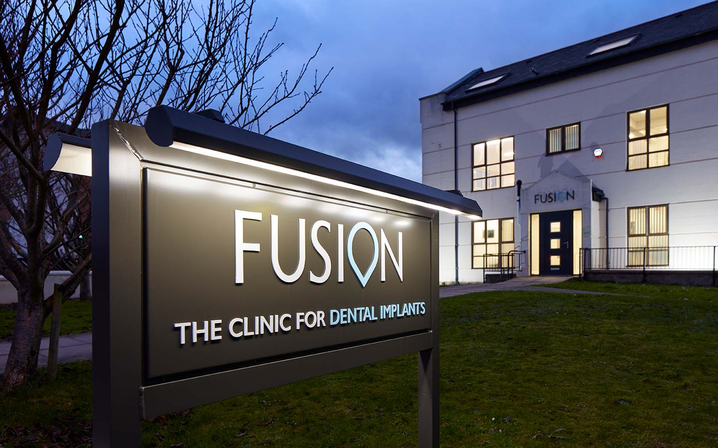 Fusion Dentistry Sign
